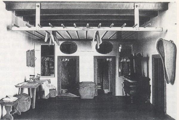 Poppenhuis van Petronelia Oortman: Kleerzolder.